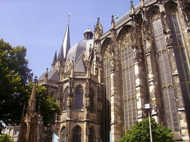 Aachen germany cathedral, religion.