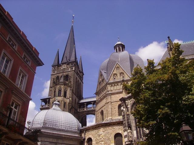 Aachen kaiserdom catholic, places monuments.