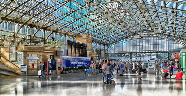 Aberdeen scotland train station, people.