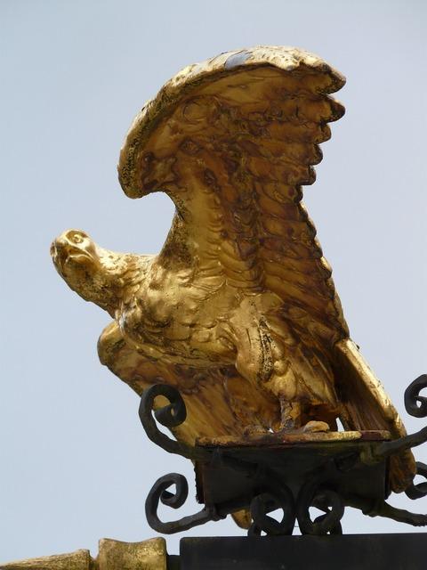 Adler golden inn.