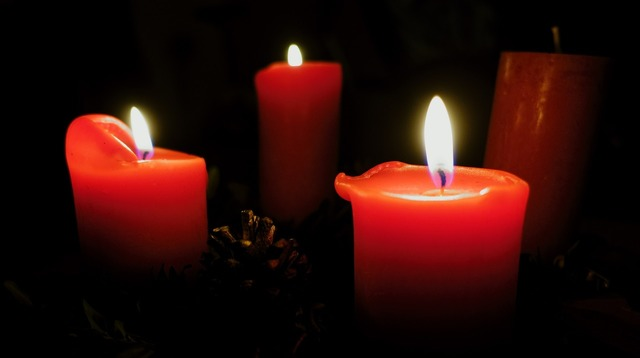 Advent wreath candlelight candle wax.