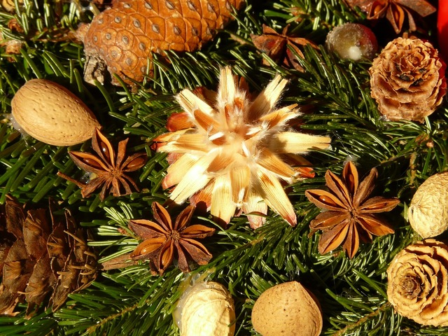 Advent wreath seeds ornament, food drink.