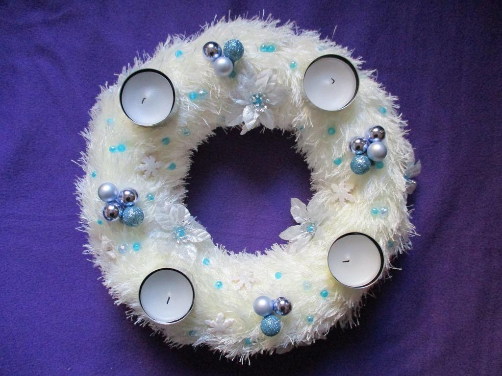Advent wreath wreath door wreath.