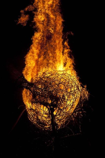 Afrikaburn firel burn.