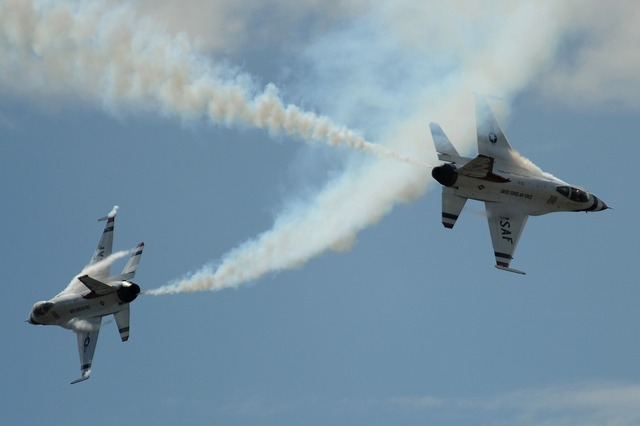 Air show thunderbirds formation.