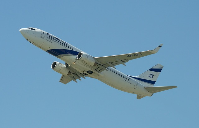 Aircraft boeing 737-800 el al, transportation traffic.