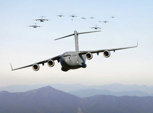 Aircraft cargo aircraft cargo, transportation traffic.