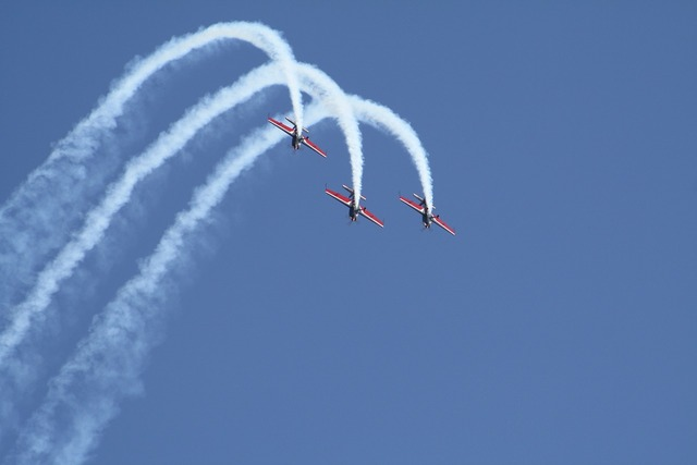 Aircraft flugshow formation.