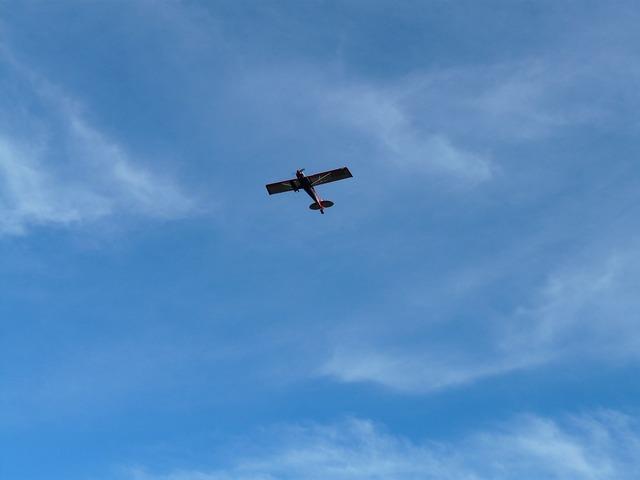 Aircraft fly sky.
