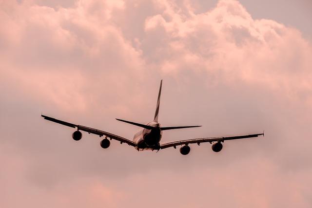 Aircraft flyer fly, transportation traffic.