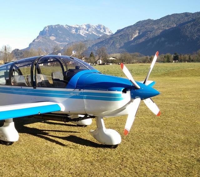 Aircraft mountains austria.
