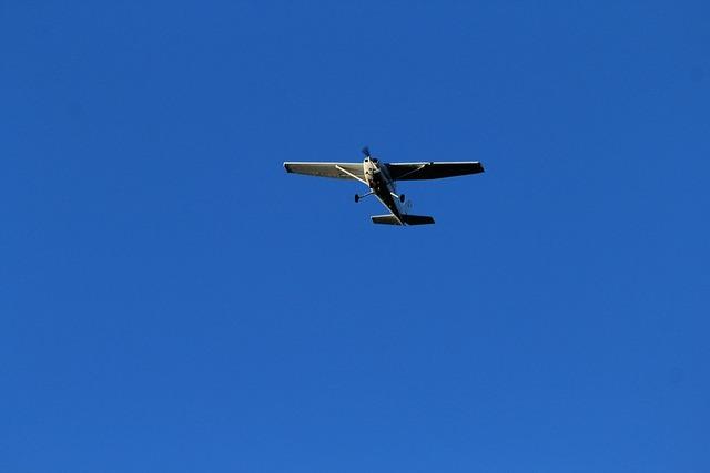 Aircraft propeller fly.