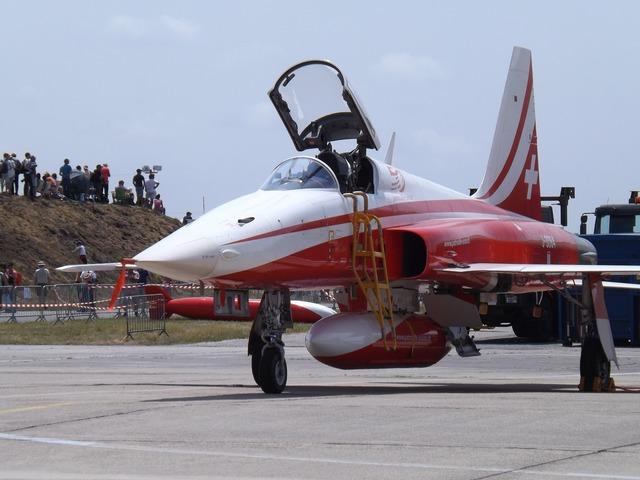 Airshow aircraft combat.