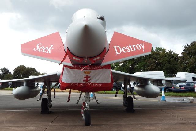 Airshow aircraft military.
