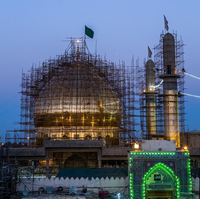 Al-askari mosque repairs minarets, architecture buildings.