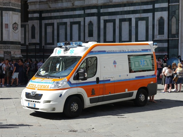 Ambulance emergency services italy, health medical.