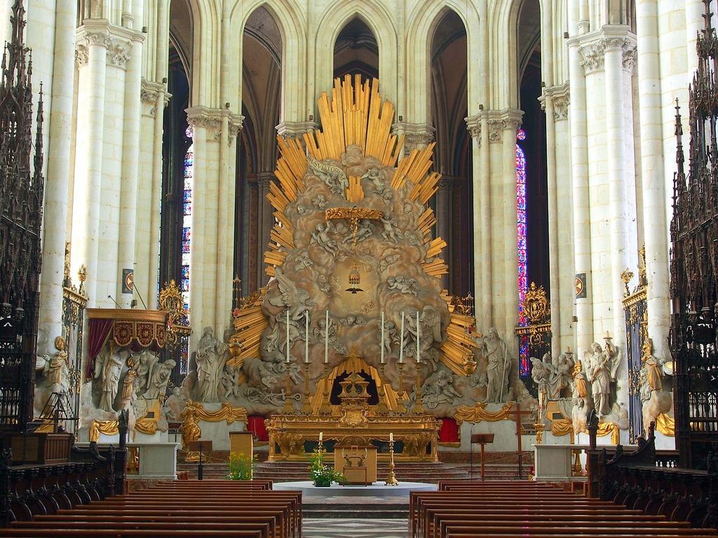 Amiens altar cathedral, religion.