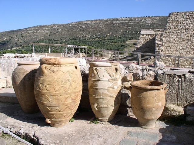 Amphora knossos crete, religion.