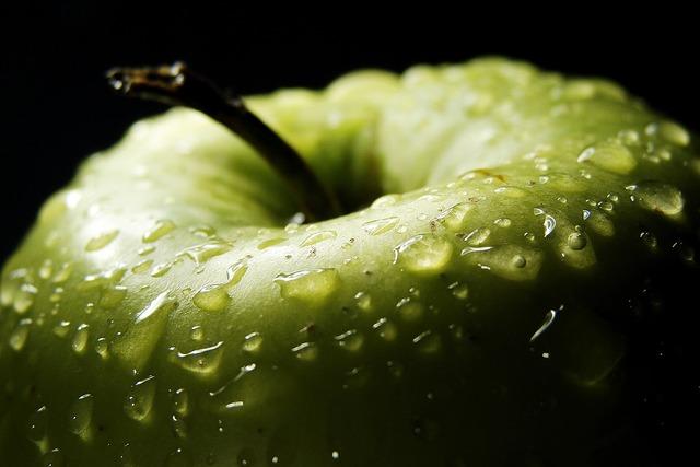 Apple drops green, food drink.