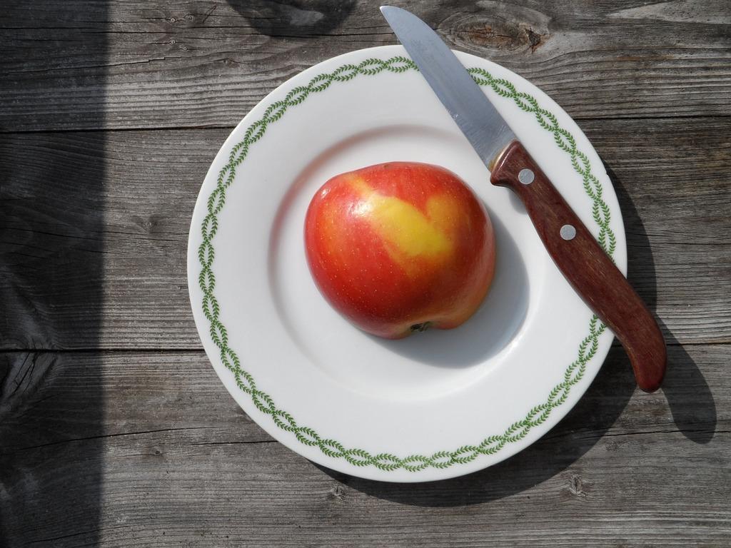 Apple kitchen knife still life, food drink.