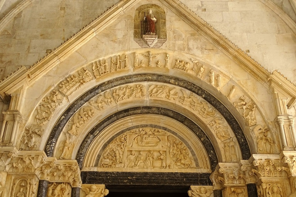 Archway trogir church, religion.