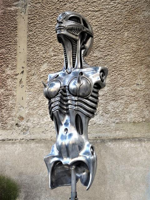 Art sculpture gyger, beauty fashion.