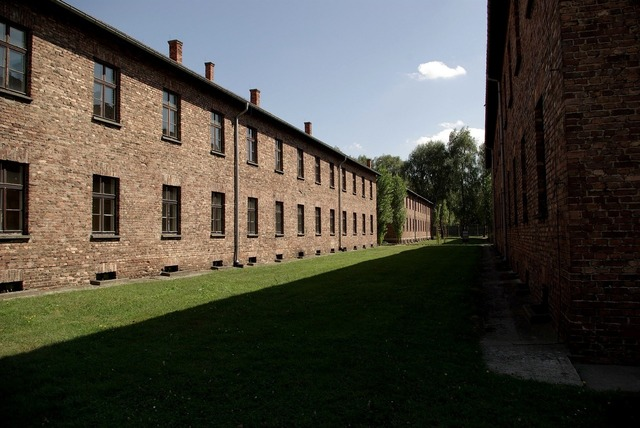 Auschwitz-birkenau concentration camp nazism, places monuments.