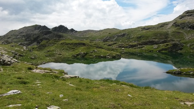 Austria alp seas mountains.