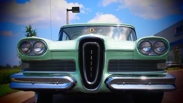 Auto retro oldtimer, transportation traffic.