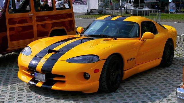 Auto sports car viper gts.