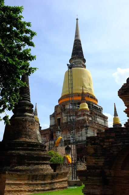 Ayutthaya old pagoda phra nakhon si ayutthaya.