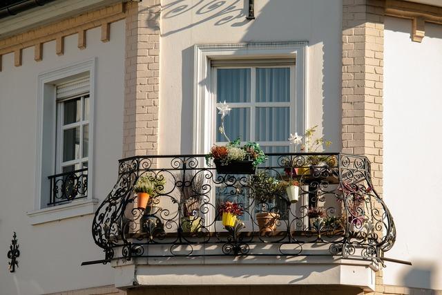 Balcony iron wrought iron.