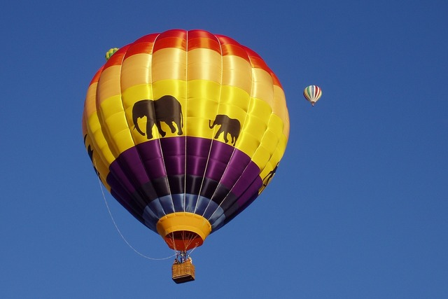 Balloon hot air balloon new mexico, transportation traffic.