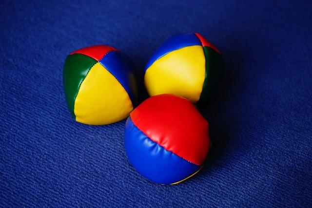 Balls juggling balls juggle, sports.