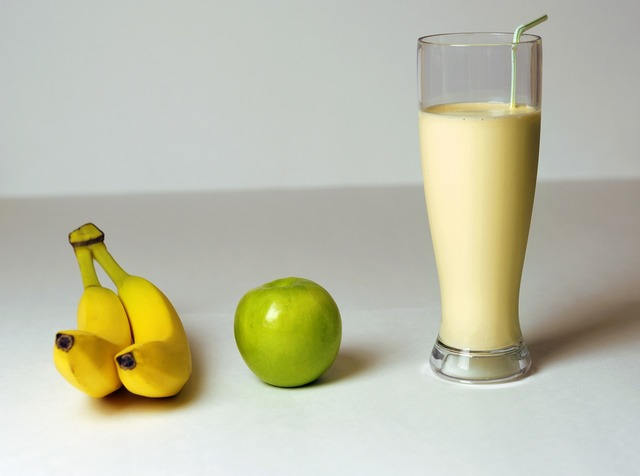 Banana apple smoothie, food drink.