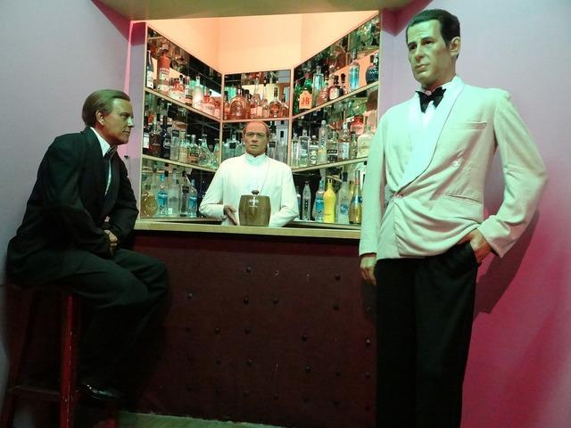 Bar bartender pub, food drink.