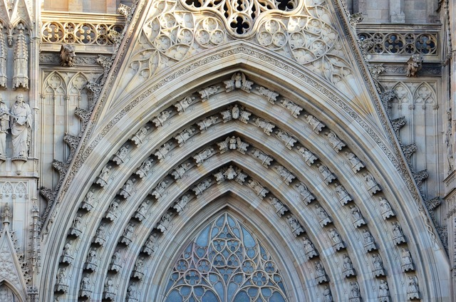 Barcelona cathedral places of interest, architecture buildings.