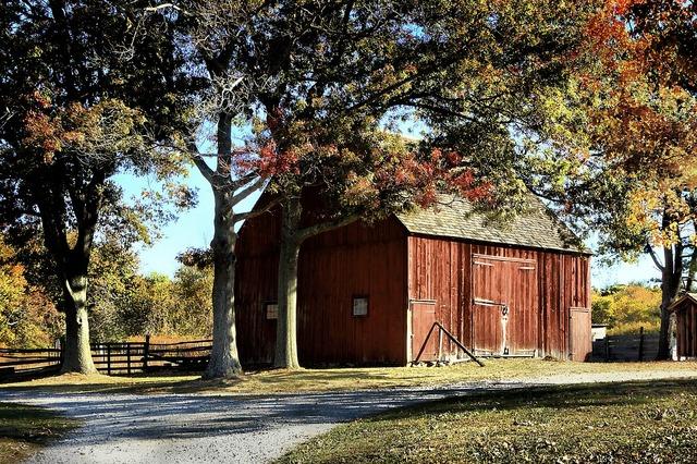 Barn farm house farm.