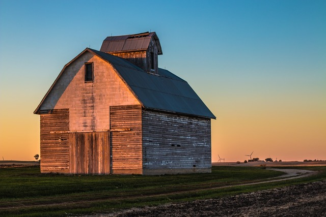Barn sunset aging, travel vacation.