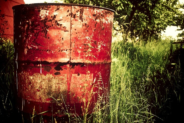 Barrel can container.