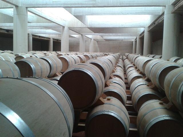 Barrels wine breeding.