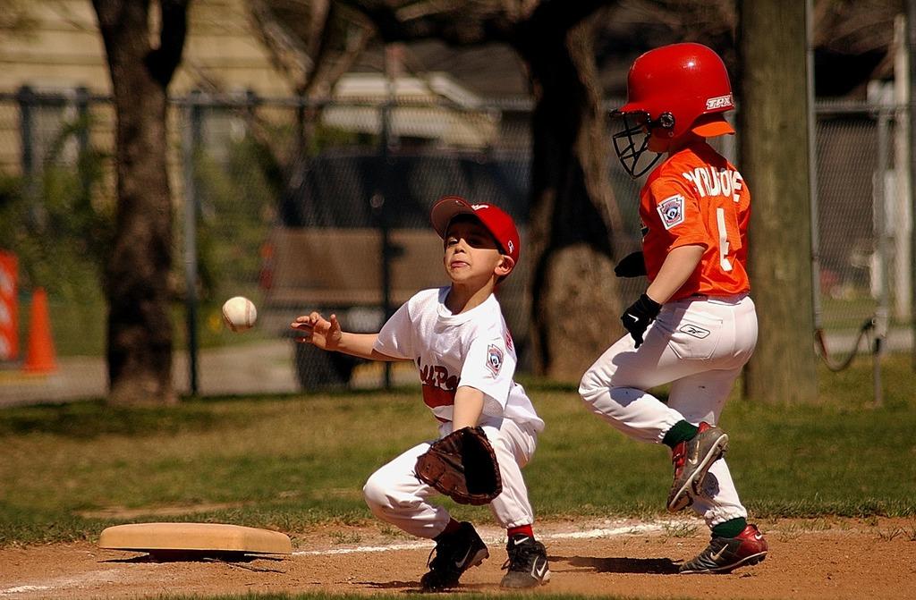 Baseball little league players, sports.