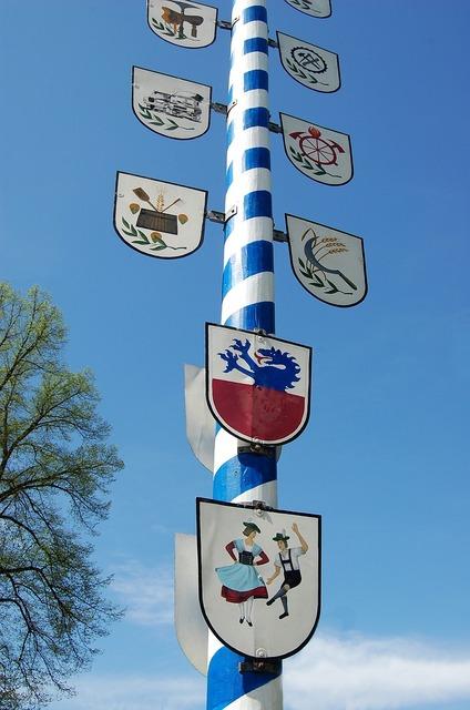 Bavaria customs maypole.