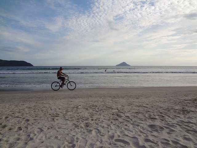 Beach holidays bike, travel vacation.
