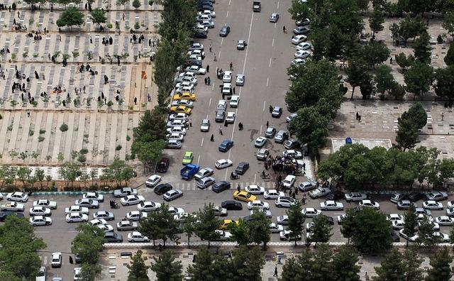 Behesht e reza cemetery mashhad borat day, transportation traffic.