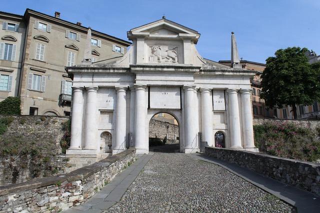 Bergamo s door alexander.
