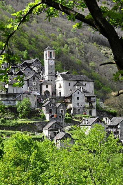 Bergdorf ticino alpine, religion.