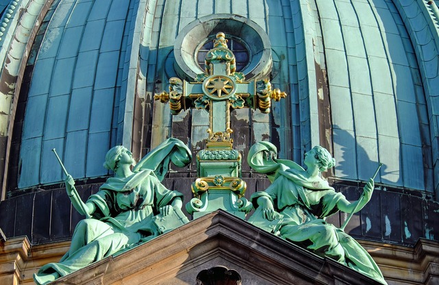 Berlin cathedral dome cross, architecture buildings.