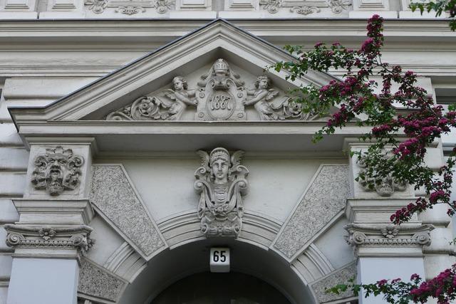 Berlin kreuzberg house entrance.