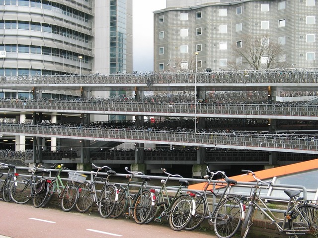 Bicycle stabling parking.